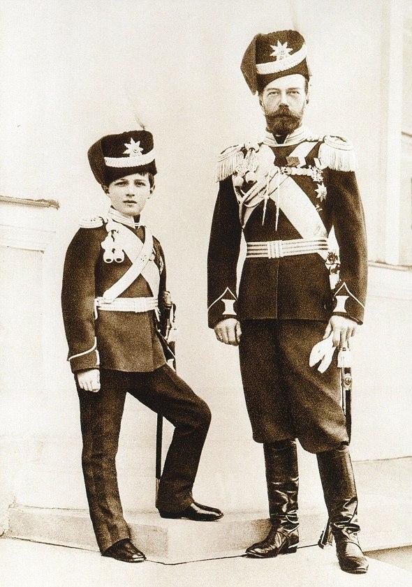 Николай Второй с сыном